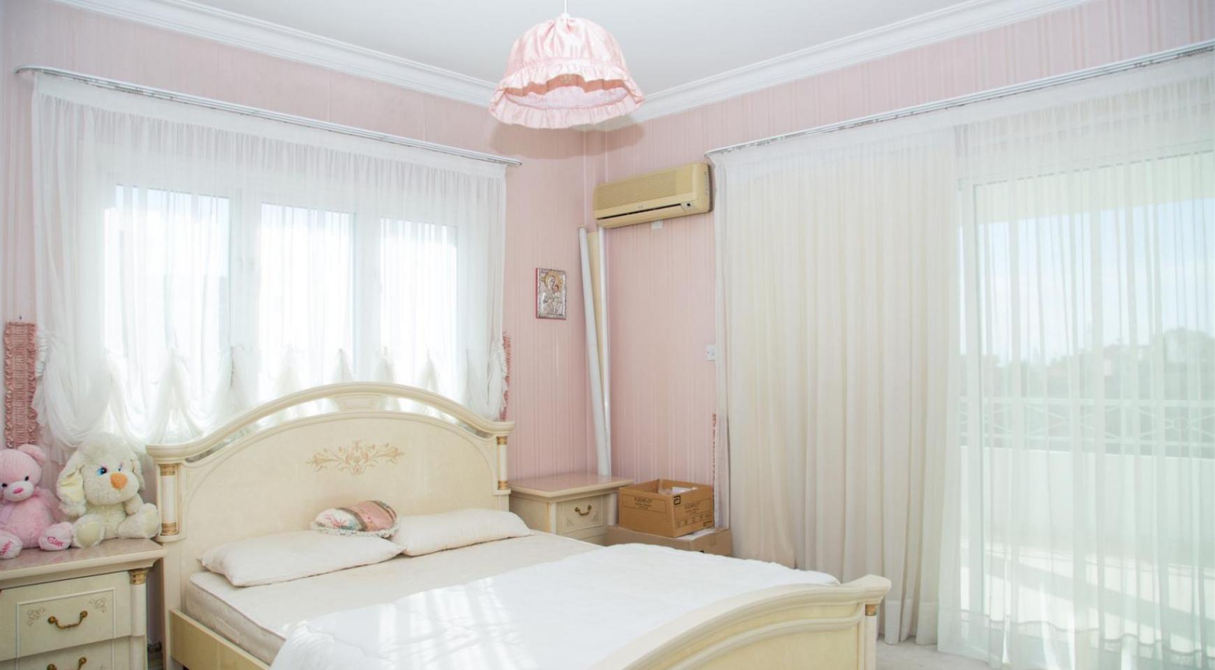 Spacious 4 Bedroom Villa in Germasogeia - 20