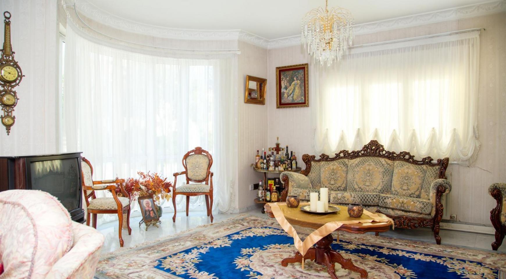 Spacious 4 Bedroom Villa in Germasogeia - 11