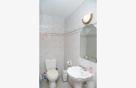 Spacious 4 Bedroom Villa in Germasogeia - 51