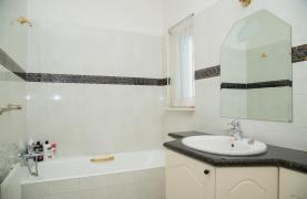Spacious 4 Bedroom Villa in Germasogeia - 49
