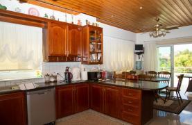 Spacious 4 Bedroom Villa in Germasogeia - 40