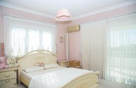 Spacious 4 Bedroom Villa in Germasogeia - 46