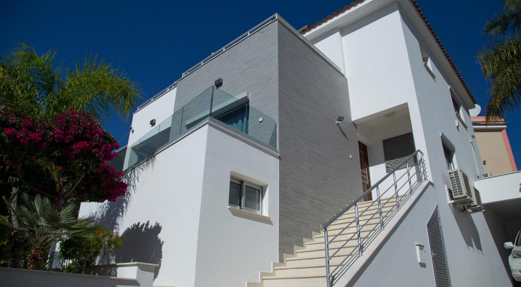 Contemporary 3 Bedroom Villa with Breathtaking Sea Views in Agios Tychonas - 36