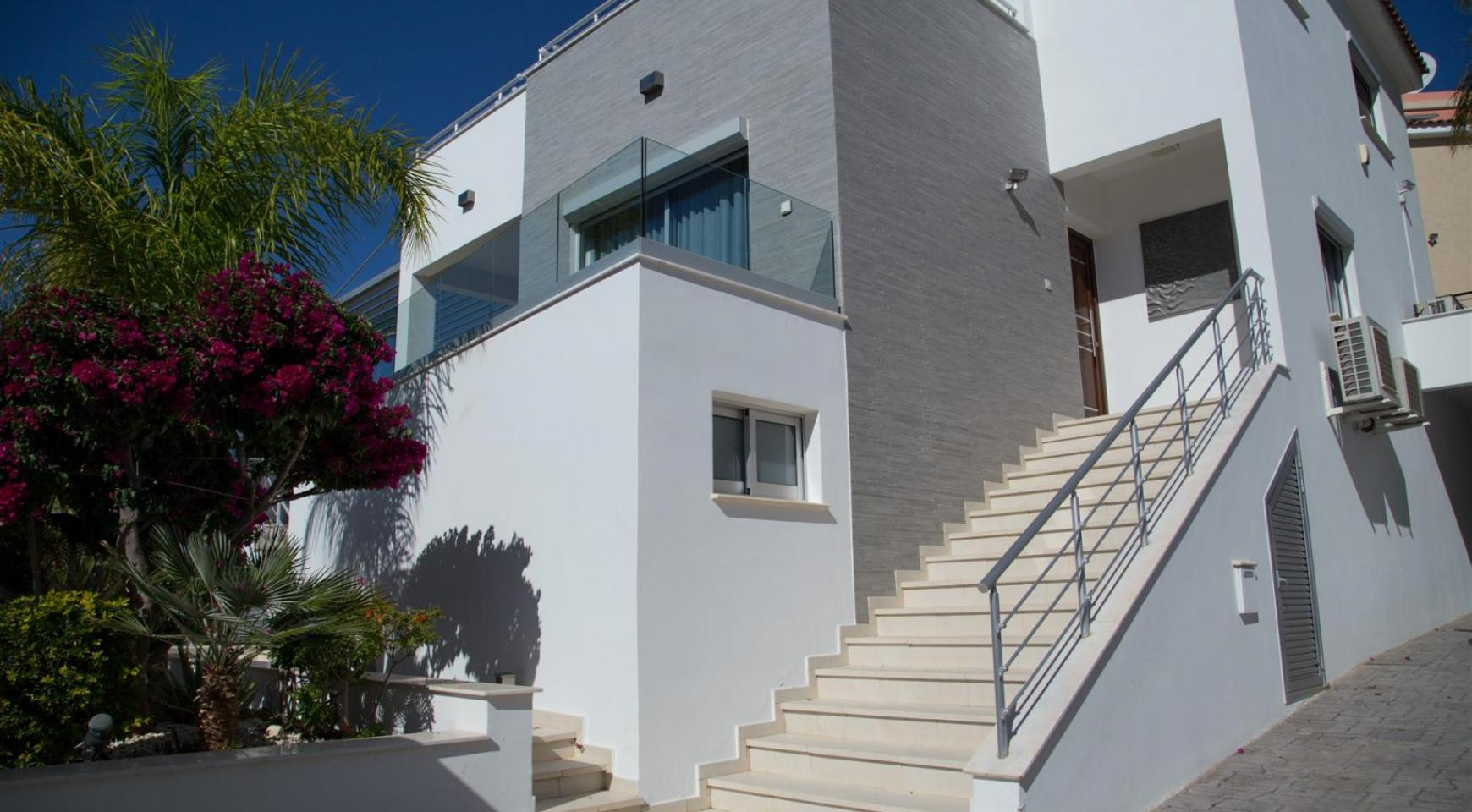 Contemporary 3 Bedroom Villa with Breathtaking Sea Views in Agios Tychonas - 35