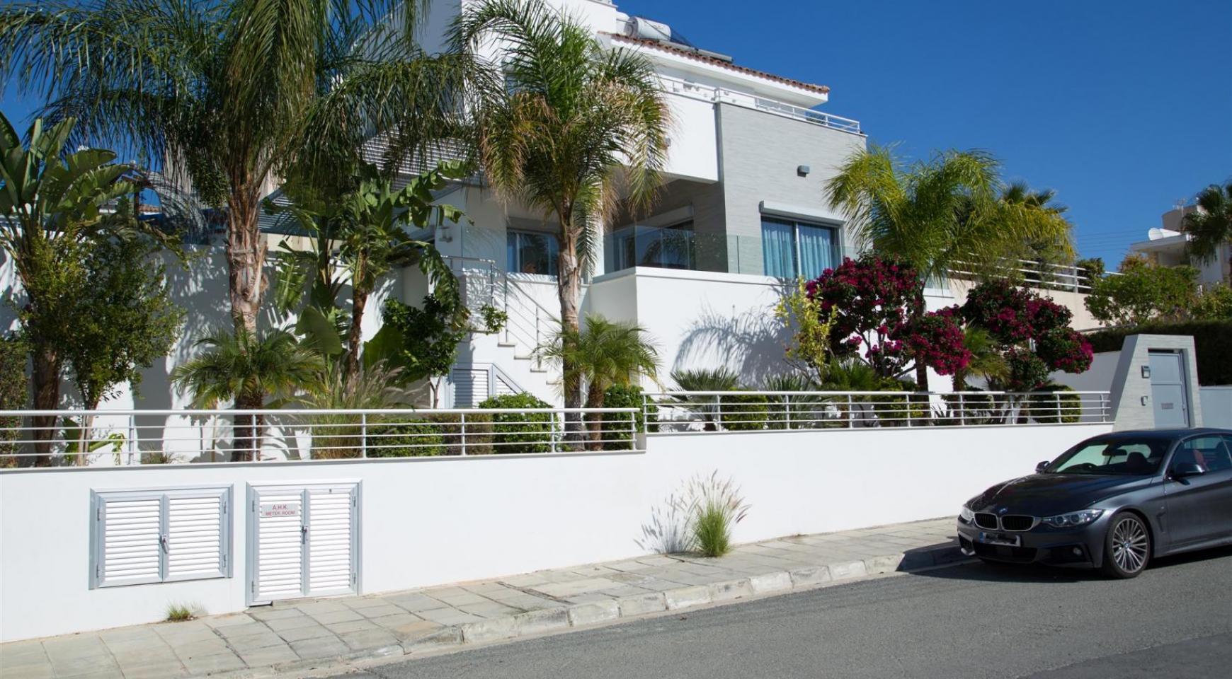 Contemporary 3 Bedroom Villa with Breathtaking Sea Views in Agios Tychonas - 38