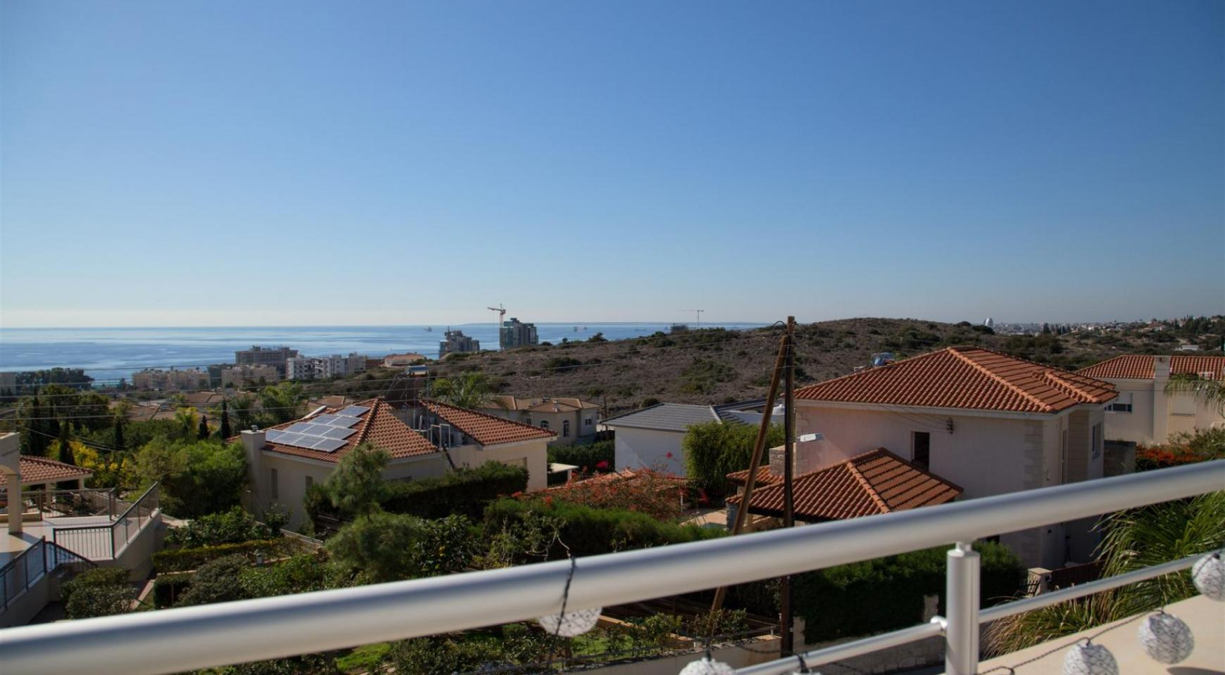 Contemporary 3 Bedroom Villa with Breathtaking Sea Views in Agios Tychonas - 18