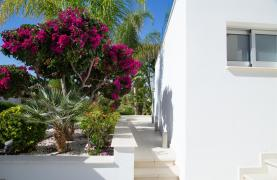 Contemporary 3 Bedroom Villa with Breathtaking Sea Views in Agios Tychonas - 71