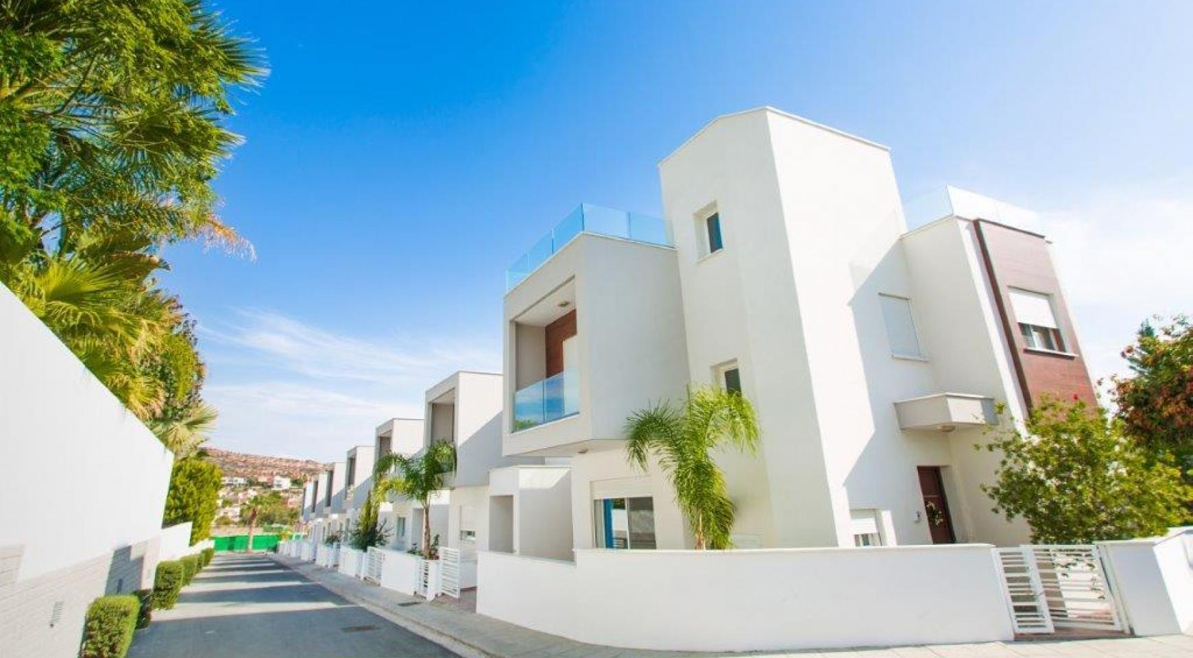 Modern 3 Bedroom Villa with Sea Views in Mouttagiaka Area - 4