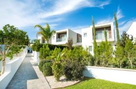 Modern 3 Bedroom Villa with Sea Views in Mouttagiaka Area - 12