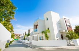 Modern 3 Bedroom Villa with Sea Views in Mouttagiaka Area - 14