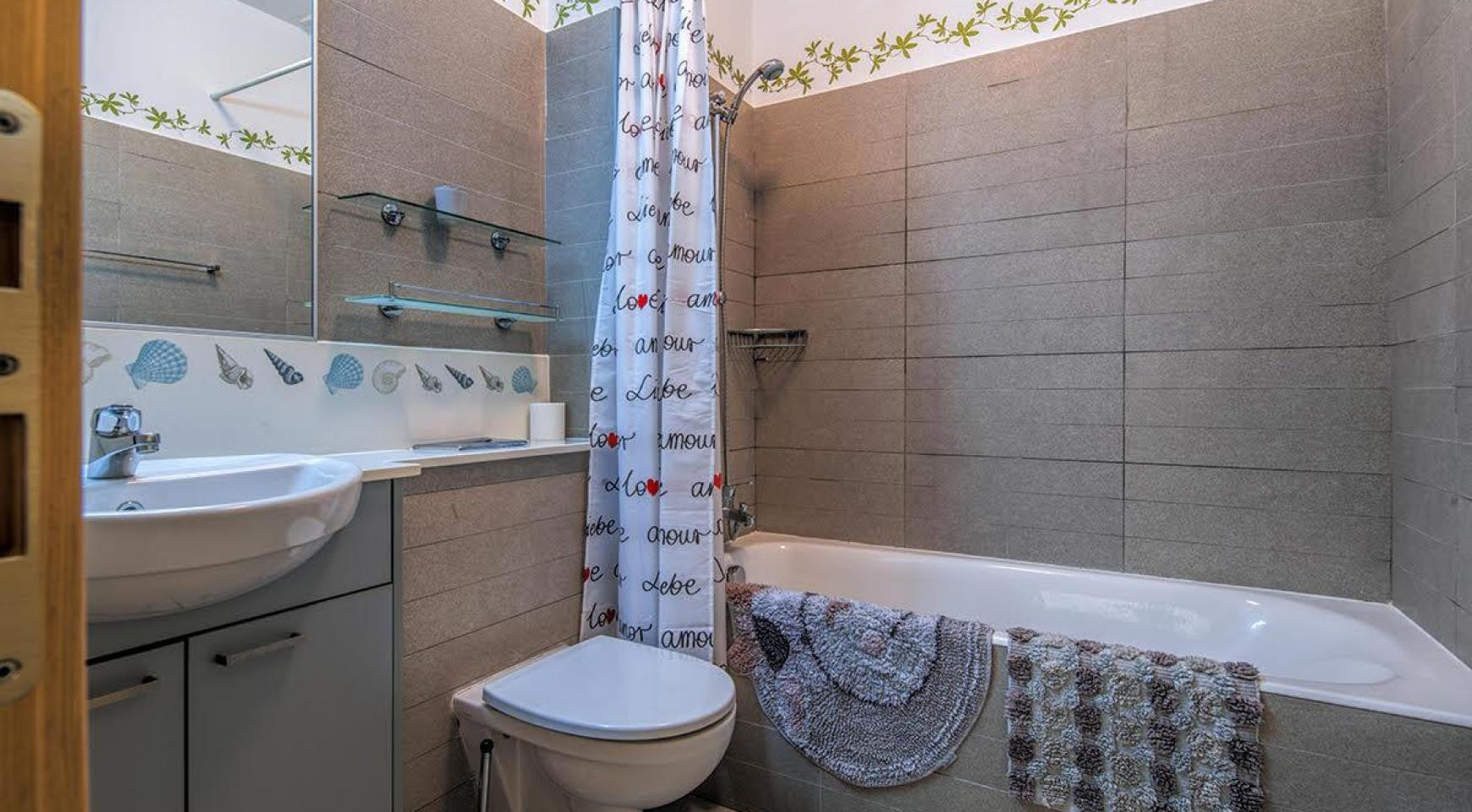 2 Bedroom Duplex Apartment Amathusa O 104 in a Prestigious Complex near the Sea  - 15