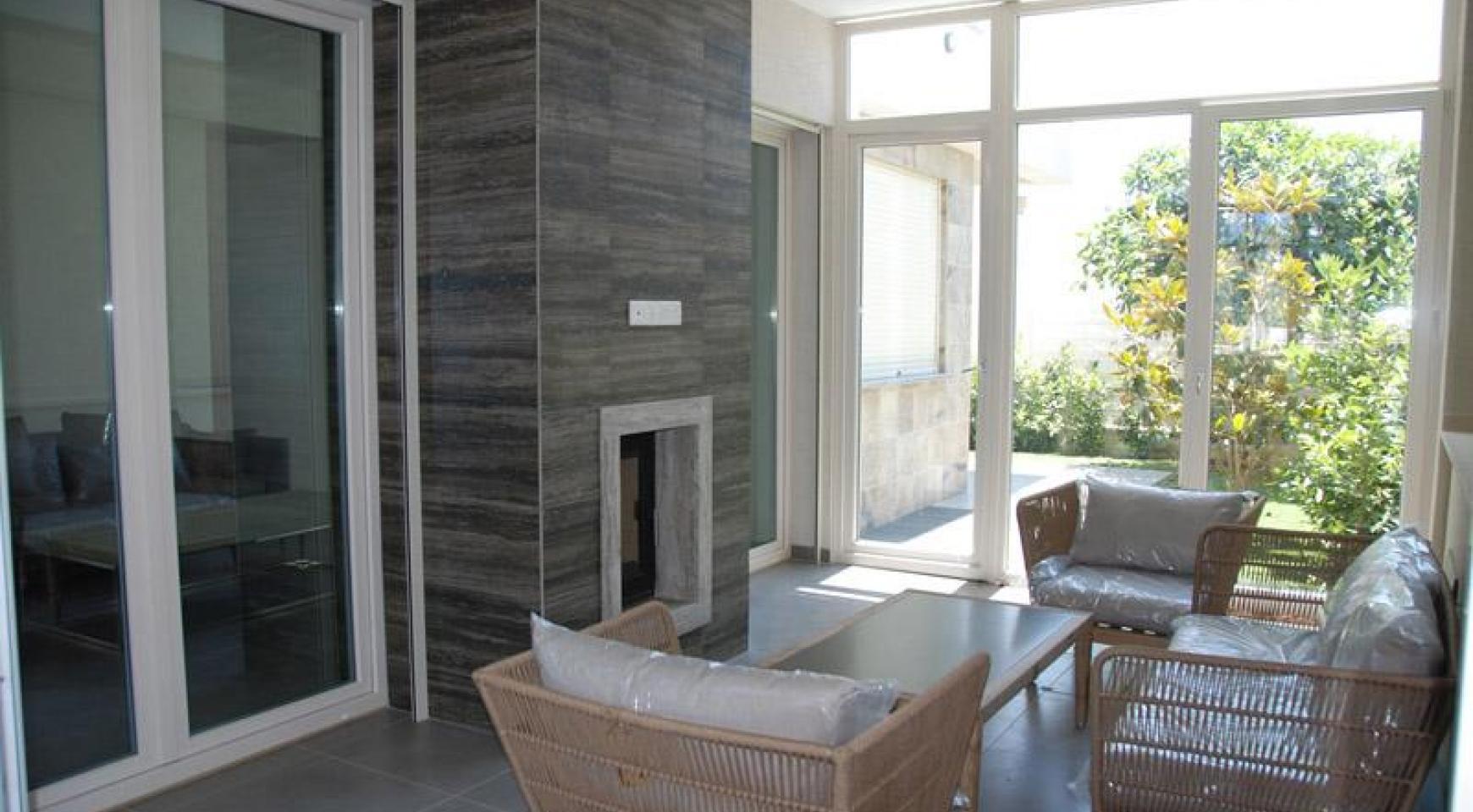 Luxurious 4 Bedroom Villa in a Prestigious Complex near the Sea - 8