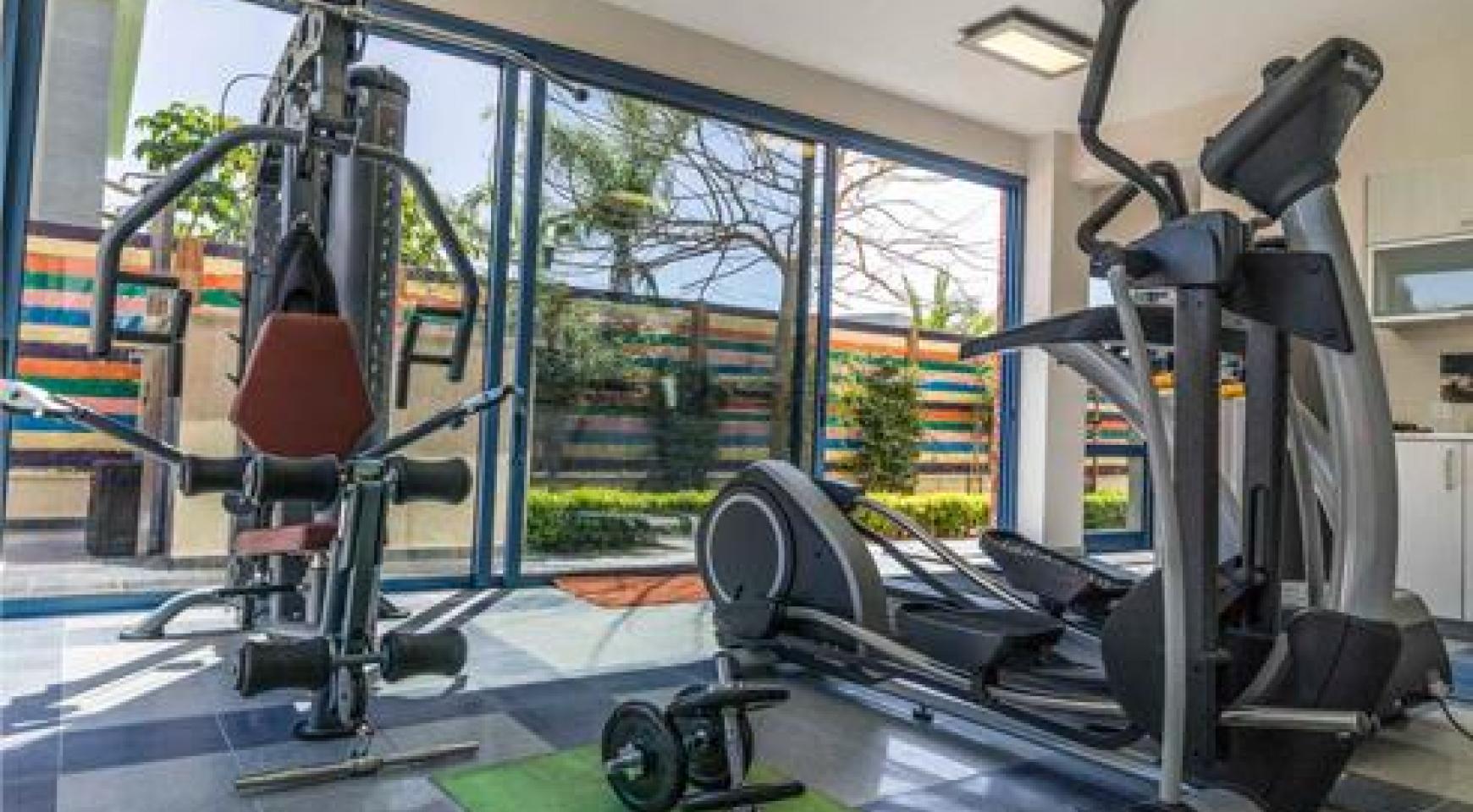 Luxurious 4 Bedroom Villa in a Prestigious Complex near the Sea - 11