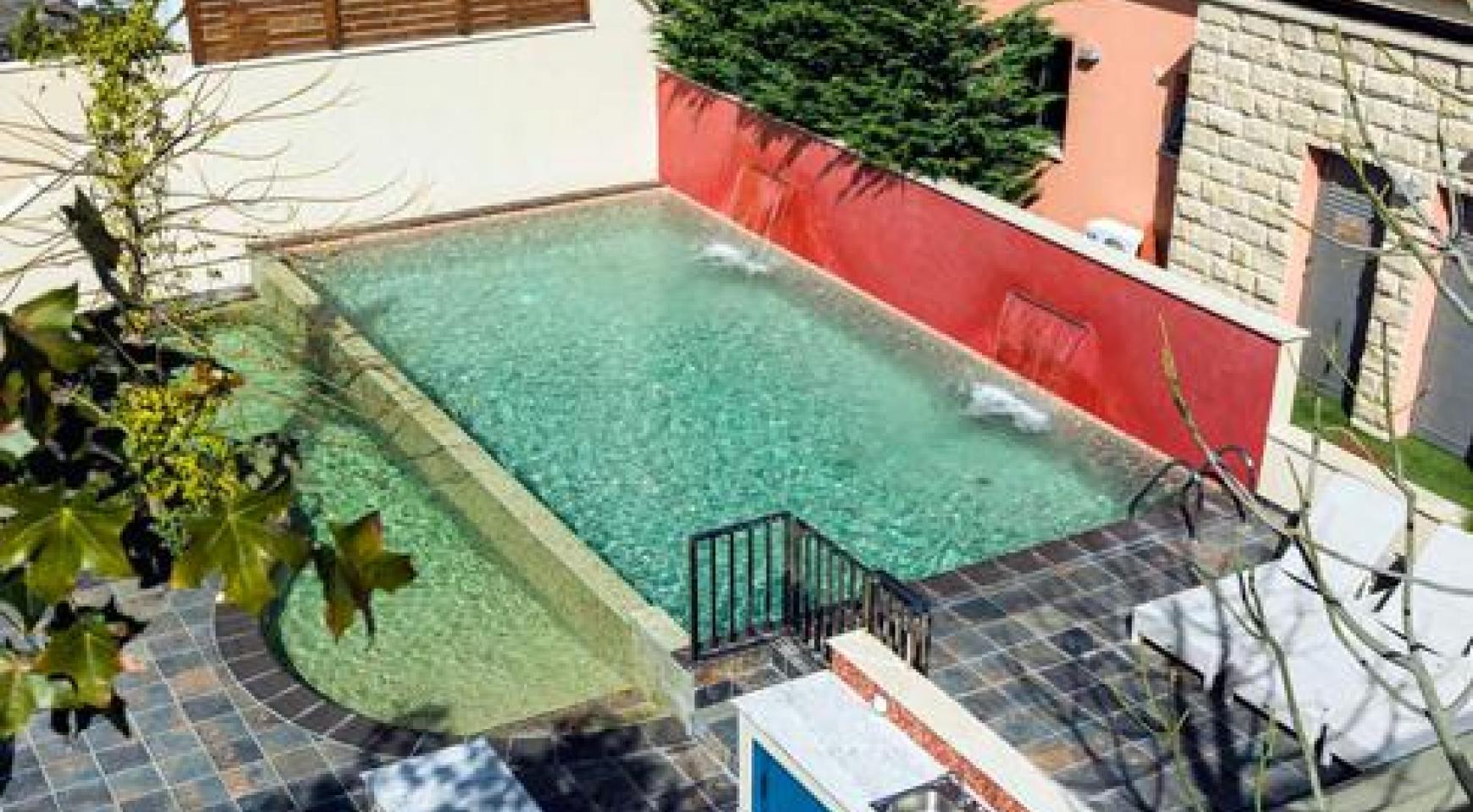 Luxurious 4 Bedroom Villa in a Prestigious Complex near the Sea - 10