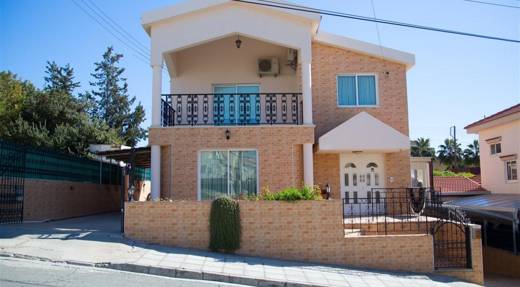 Spacious 5 Bedroom House in Agios Athanasios Area - 1
