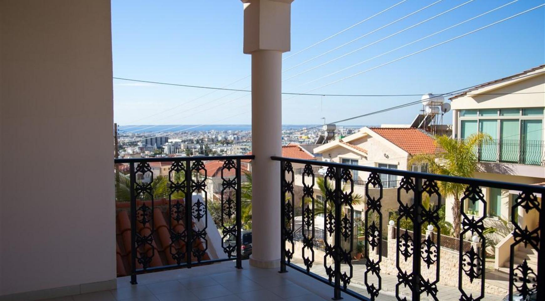 Spacious 5 Bedroom House in Agios Athanasios Area - 2