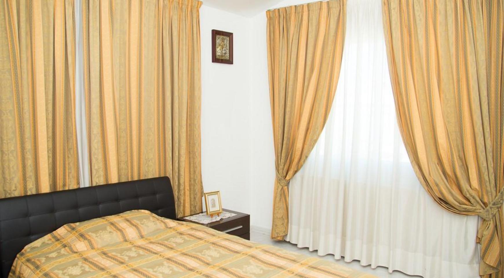 Spacious 5 Bedroom House in Agios Athanasios Area - 18
