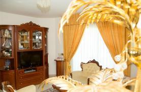 Spacious 5 Bedroom House in Agios Athanasios Area - 40