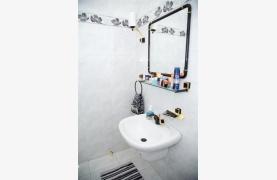 Spacious 5 Bedroom House in Agios Athanasios Area - 54