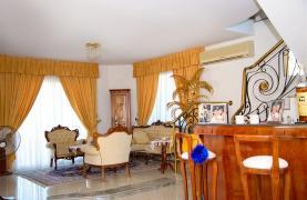 Spacious 5 Bedroom House in Agios Athanasios Area - 38