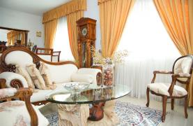 Spacious 5 Bedroom House in Agios Athanasios Area - 35