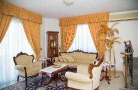 Spacious 5 Bedroom House in Agios Athanasios Area - 39