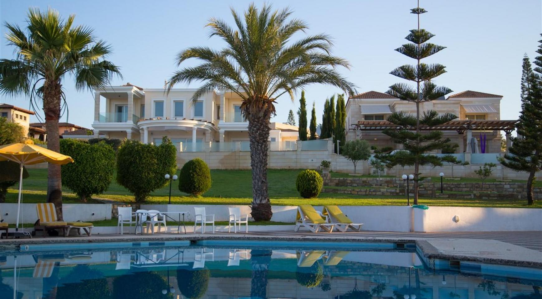 Luxury Modern 3 Bedroom Apartment in Thera Complex by the Sea - 1