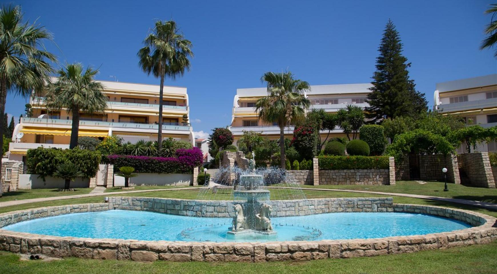 Luxury Modern 3 Bedroom Apartment in Thera Complex by the Sea - 2