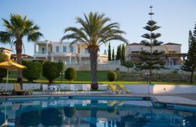 Luxury Modern 3 Bedroom Apartment in Thera Complex by the Sea - 41