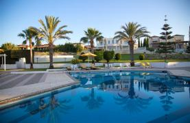 Luxury Modern 3 Bedroom Apartment in Thera Complex by the Sea - 47