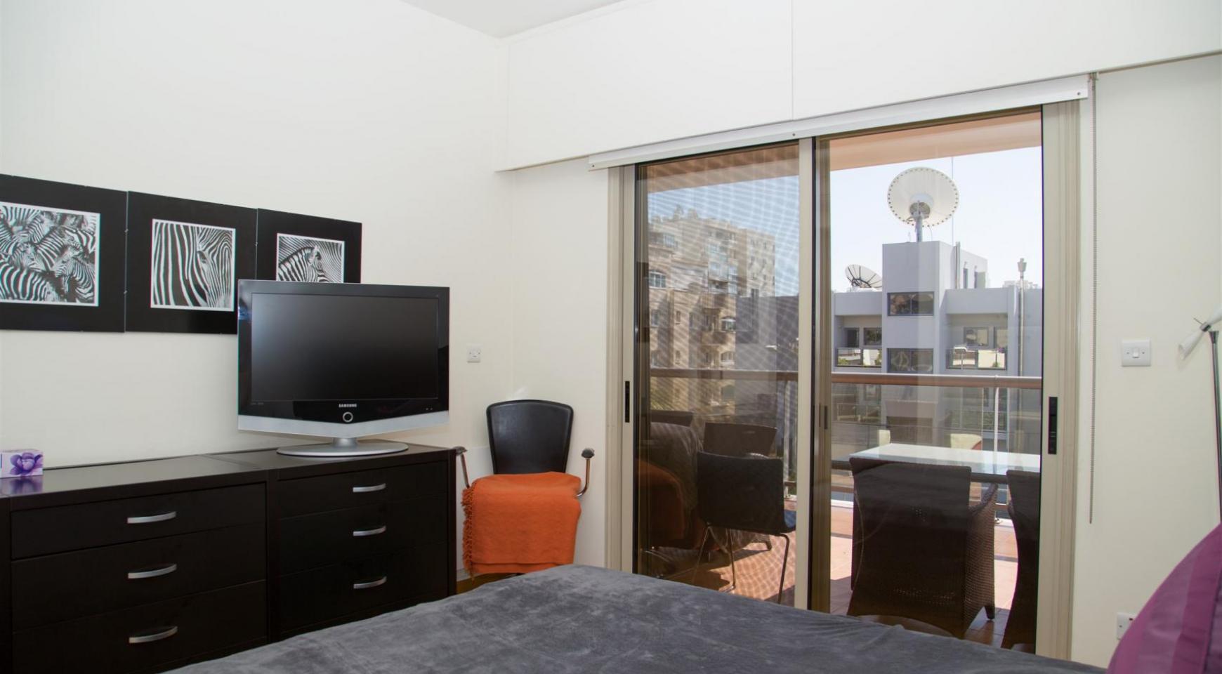 Luxury 3 Bedroom Apartment in Enaerios Area near the Sea - 10