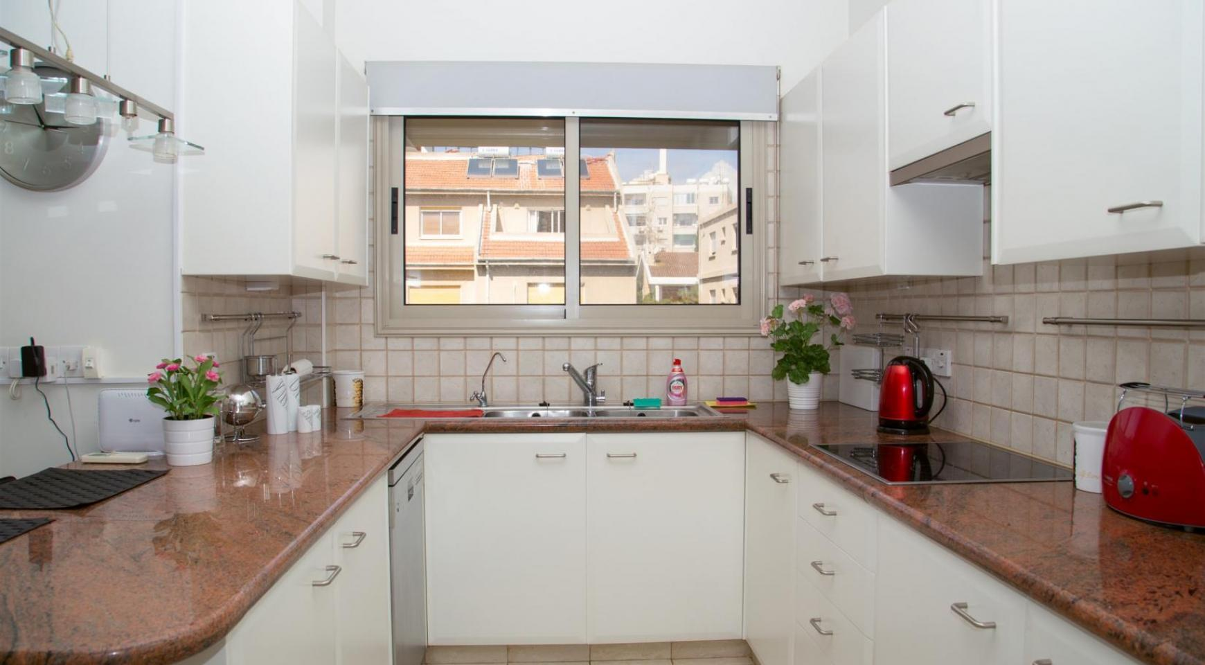 Luxury 3 Bedroom Apartment in Enaerios Area near the Sea - 6