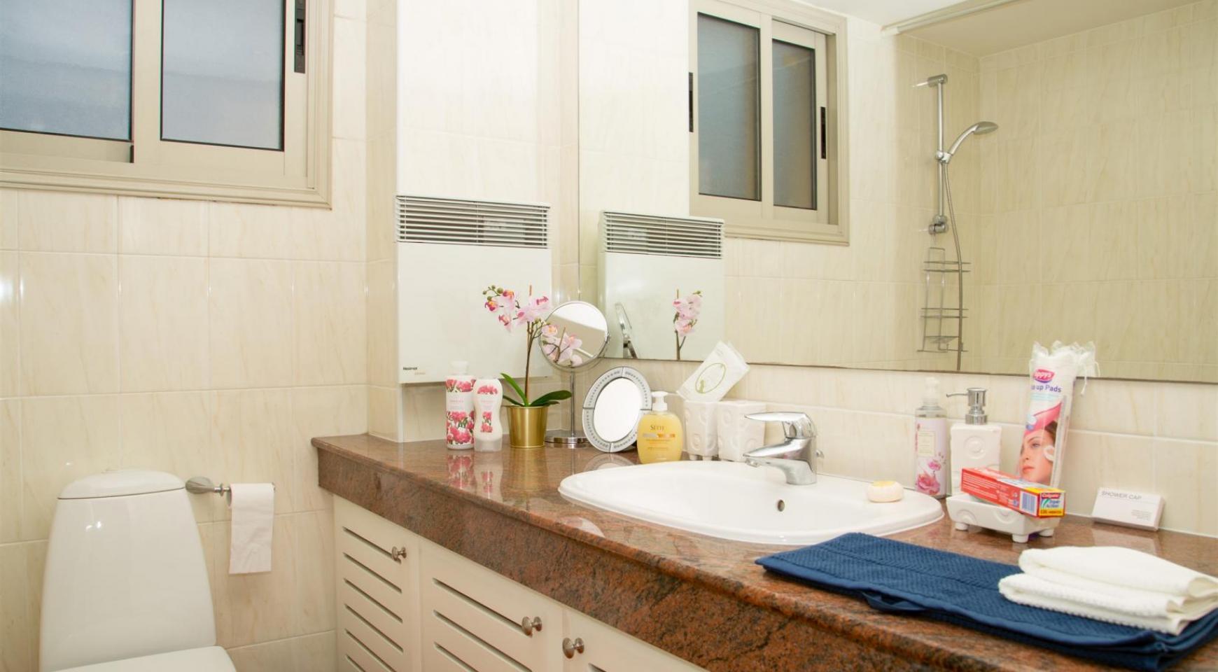 Luxury 3 Bedroom Apartment in Enaerios Area near the Sea - 15