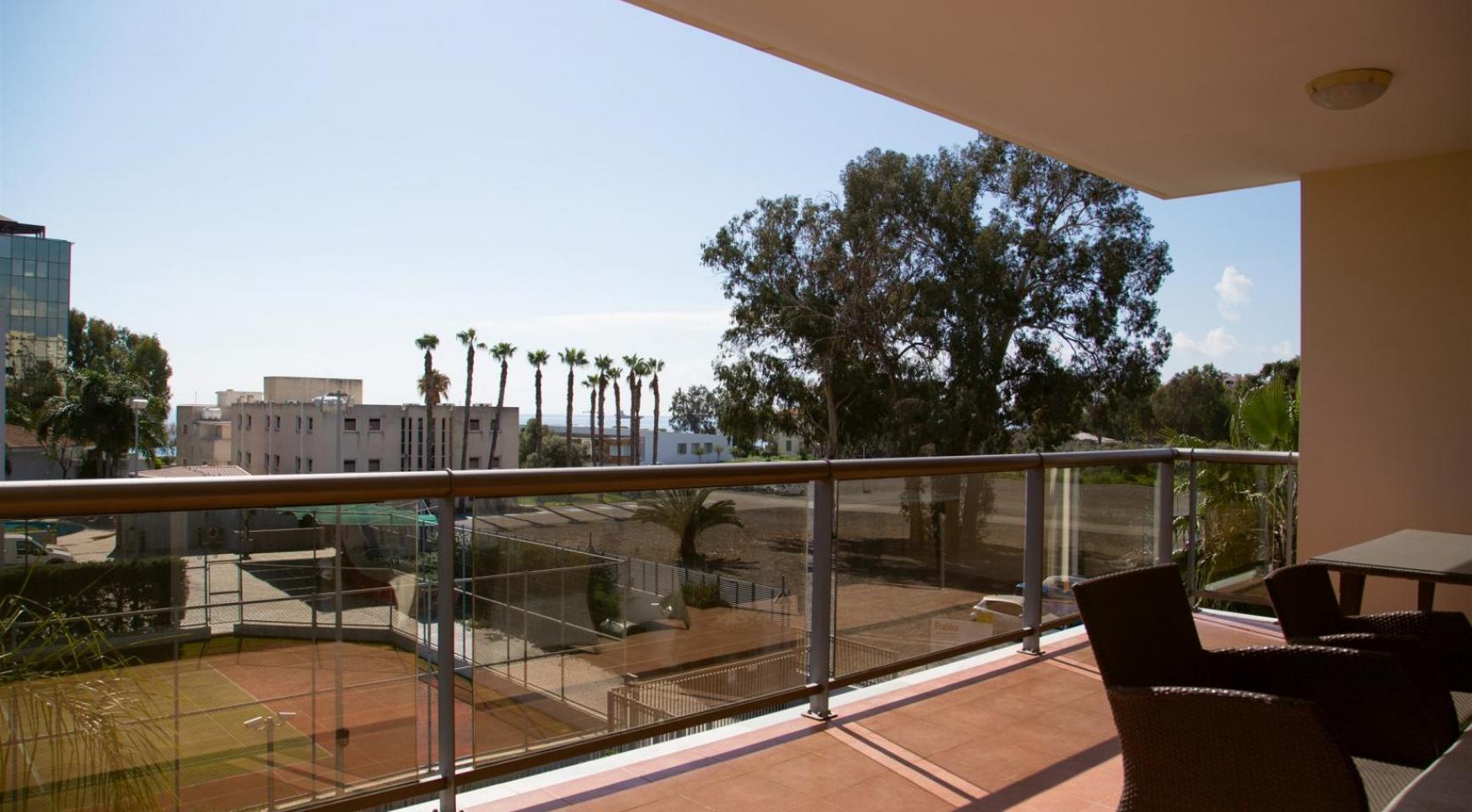 Luxury 3 Bedroom Apartment in Enaerios Area near the Sea - 22