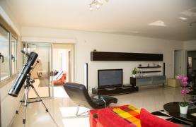 Luxury 3 Bedroom Apartment in Enaerios Area near the Sea - 31