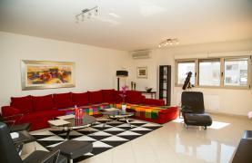 Luxury 3 Bedroom Apartment in Enaerios Area near the Sea - 30