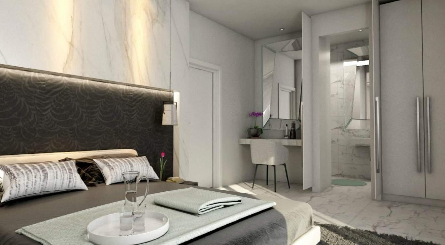 4 Bedroom House in Leivadia Area - 19