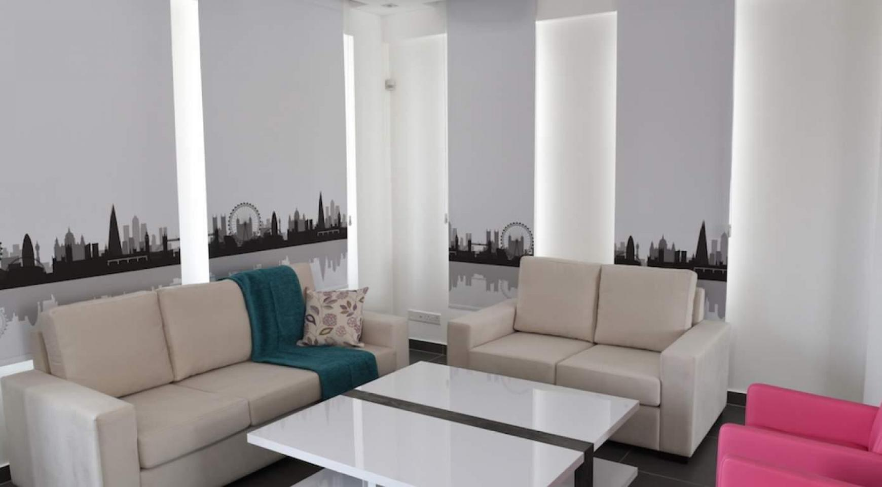 4 Bedroom House in Leivadia Area - 15