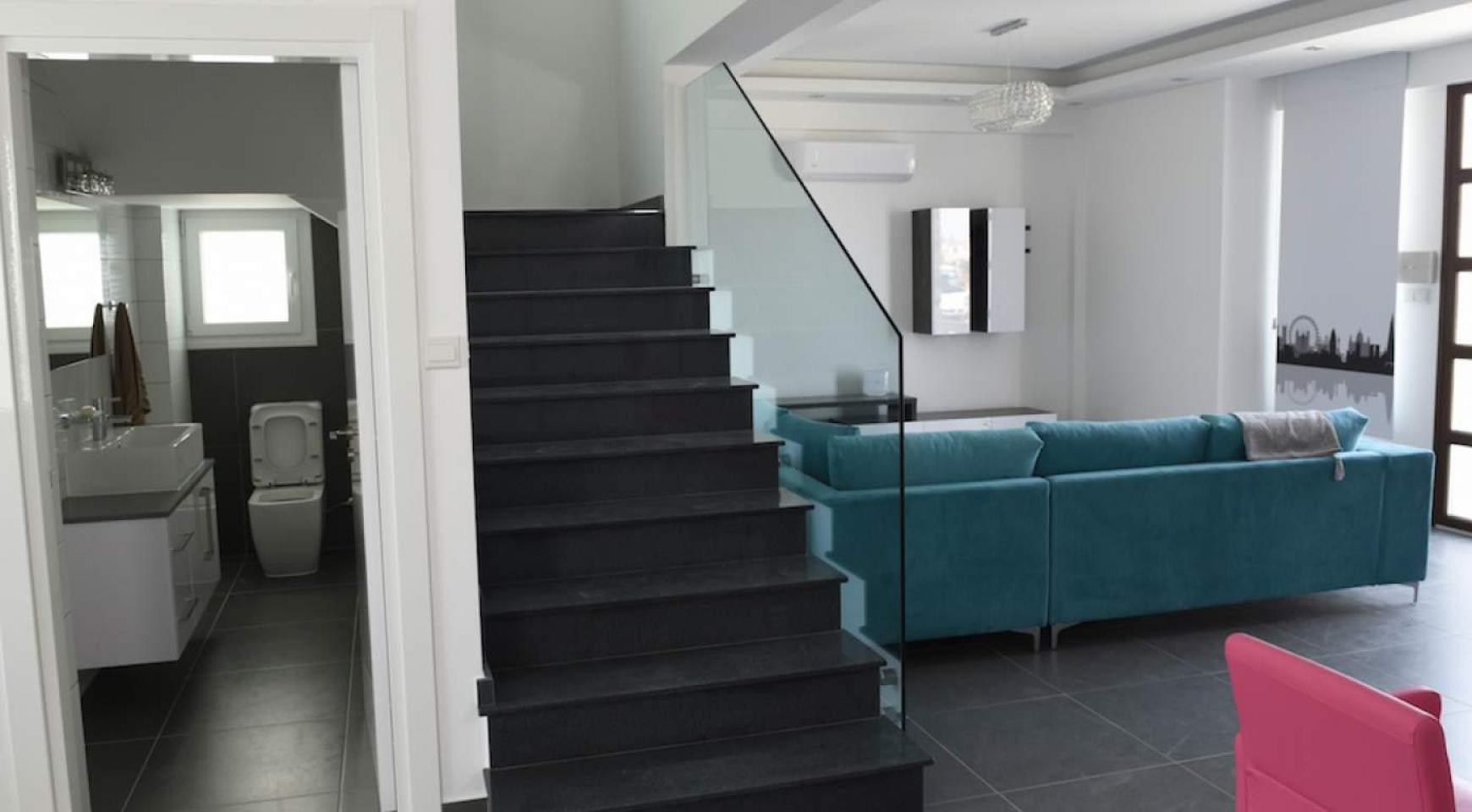 New Modern 4 Bedroom House in Leivadia Area - 17