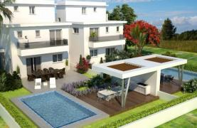 Luxury 4 Bedroom House In Oroklini Area - 14