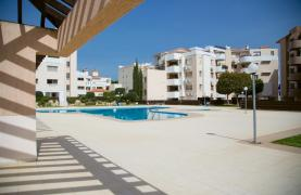 Spacious 3 Bedroom Apartment with Sea Views - 37