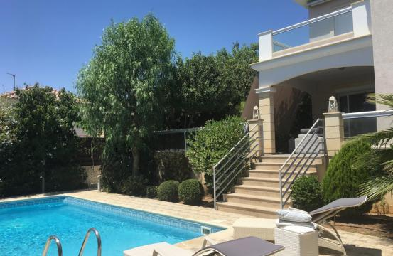 Spacious 4 Bedroom House in Moutagiaka Area