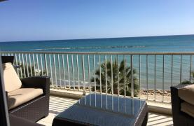 Luxury 3 Bedroom Apartment on the Seafront - 14