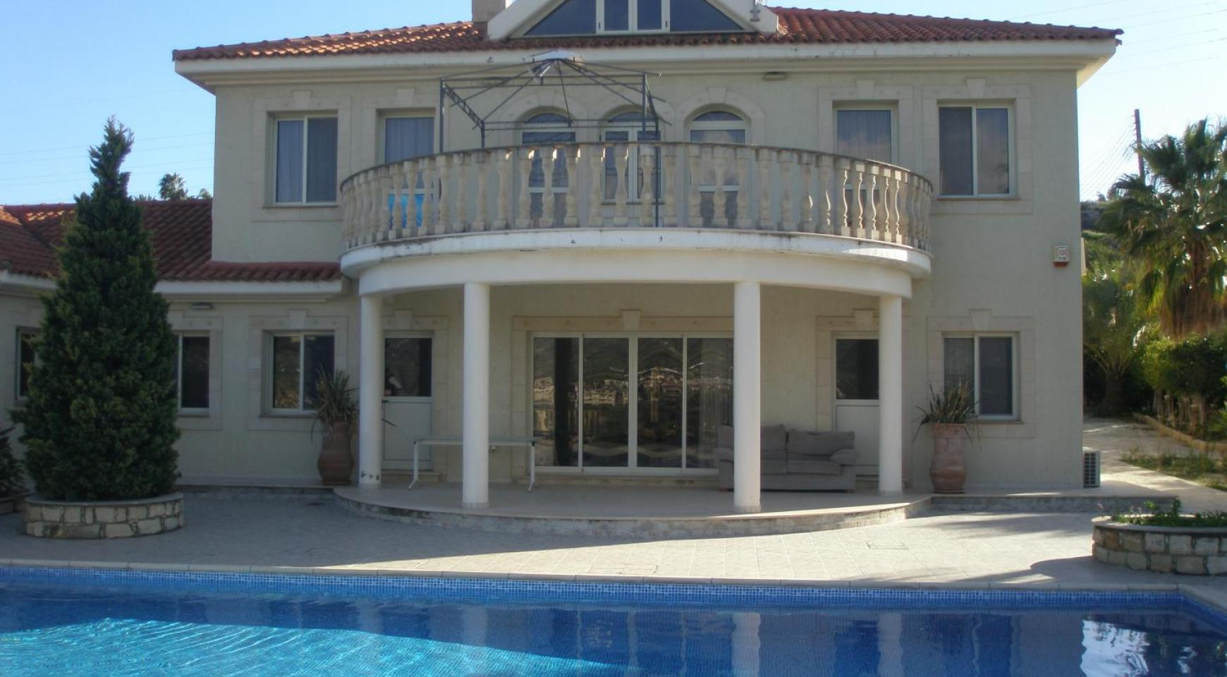 Spacious 5 Bedroom Villa with Magnificent Views in Pyrgos  - 6