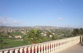 Spacious 5 Bedroom Villa with Magnificent Views in Pyrgos  - 42