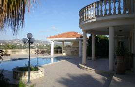 Spacious 5 Bedroom Villa with Magnificent Views in Pyrgos  - 35