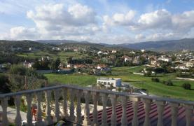 Spacious 5 Bedroom Villa with Magnificent Views in Pyrgos  - 40