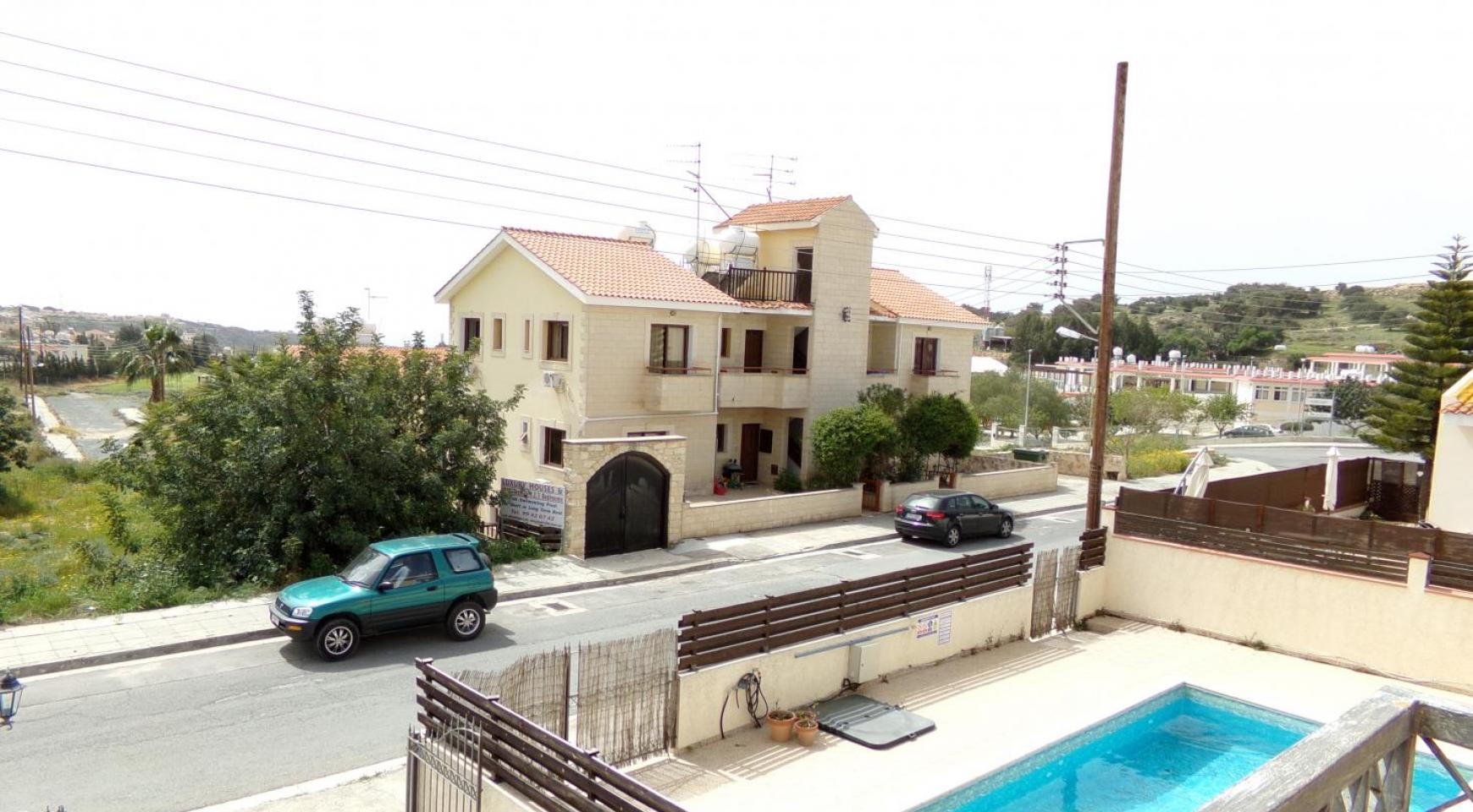 4 Bedroom Villa with Sea and Mountain Views in Pissouri Village - 9
