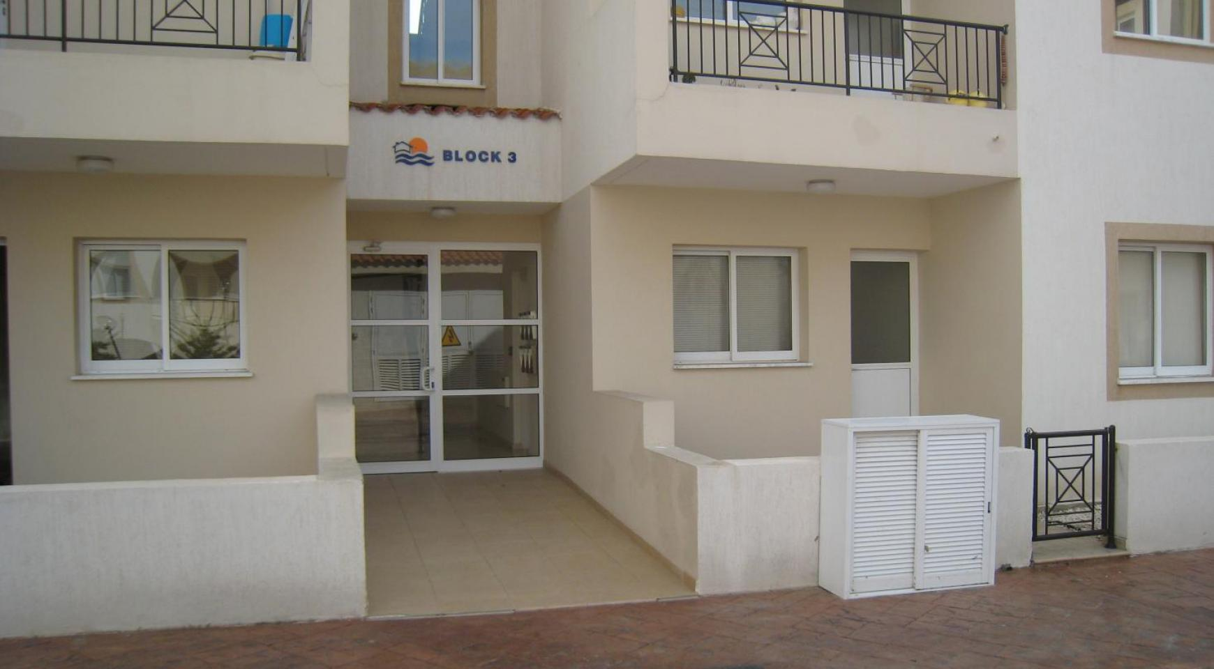 Ground Floor Apartment with Private Garden - 13