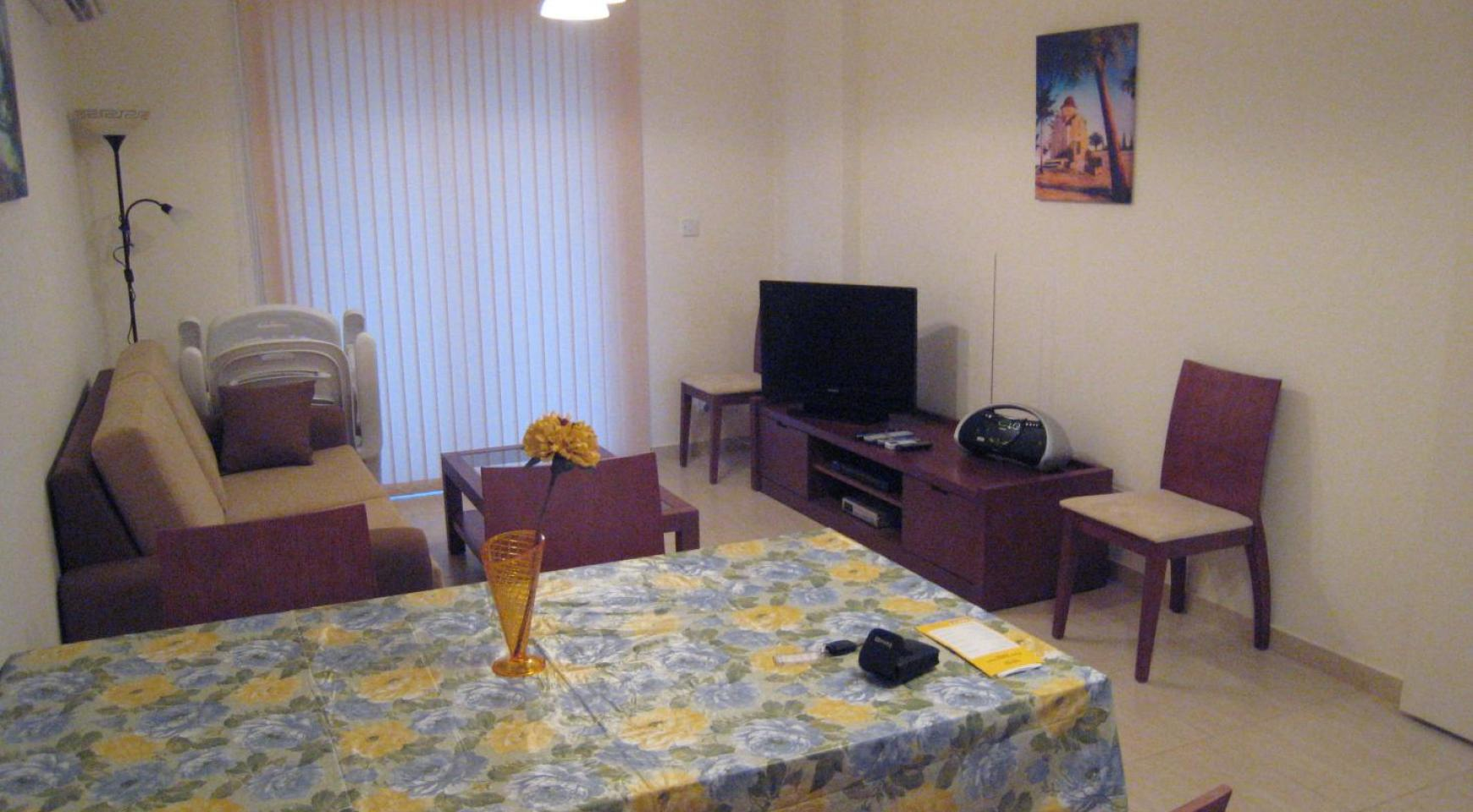 Ground Floor Apartment with Private Garden - 1